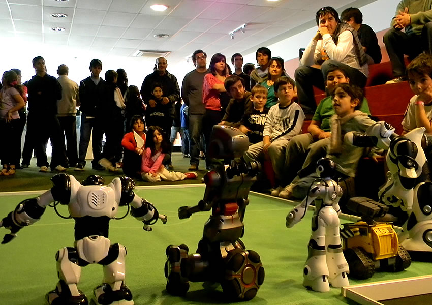 Playbots en San Luis Digital